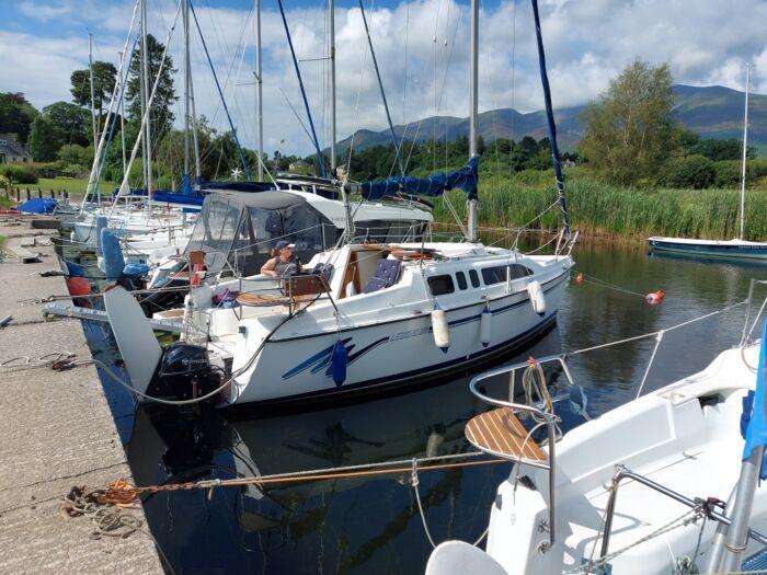 Hunter Legend 26 boat for sale